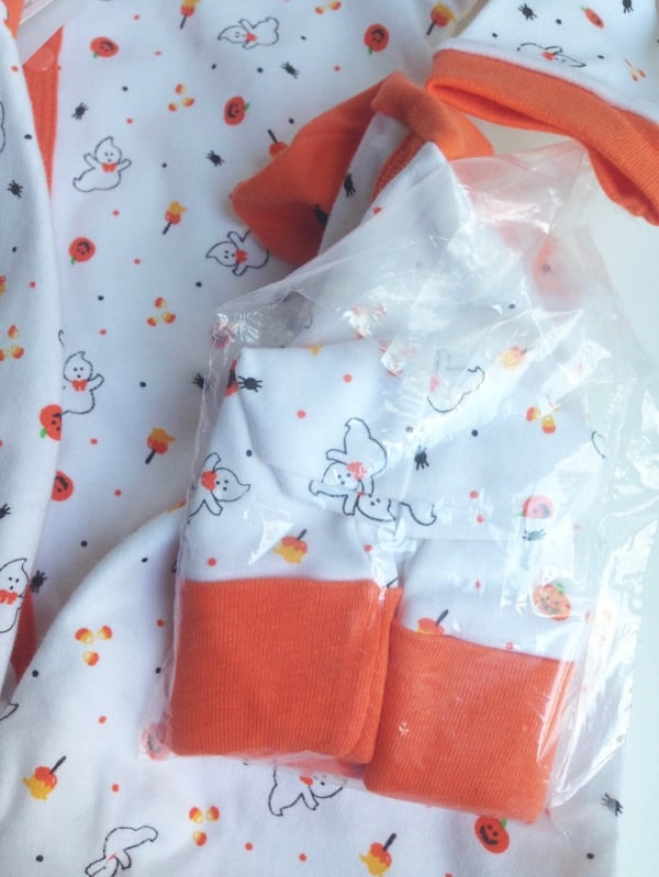 NEW WITH TAGS! HALLOWEEN 3-pc Baby Sleeper Pyjama Outfit - 6-9Months 17d9e4ed-30ba-4d54-a34f-ef9417413895