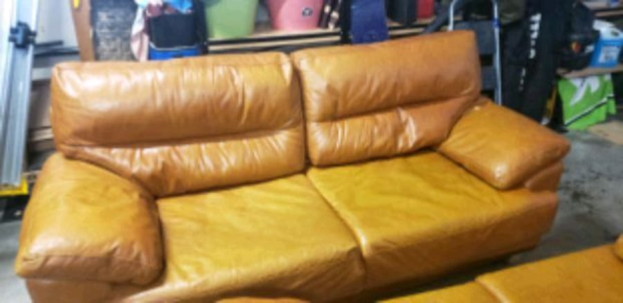 Sofa and loveseat a910a815-817f-400b-9252-6067dc0c8df6