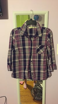 Maroon and multicolored plaid button-up collared long-sleeved sport shirt Springfield, 22150