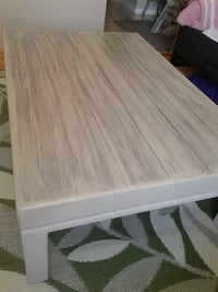 "Extra large sturdy coffee table! 48 x 32"". CHIC Kitchener, N2N 1L7"