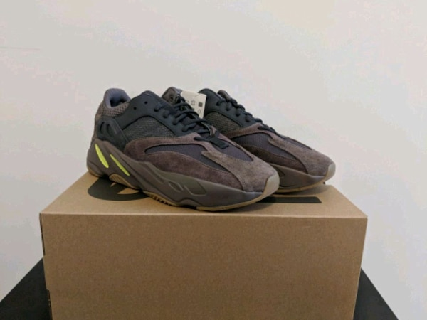 3e5b5c0ee Used Yeezy Boost 700 Mauve Size 10 or 11  350 OBO for sale in Jersey City -  letgo