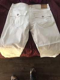 White true religion good condition Mississauga, L4Y 2B8