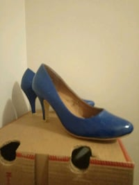 blue  pointed-toe pumps Edmonton, T5A 1X4