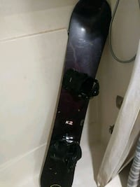 black and gray snowboard with bindings Federal Way, 98003