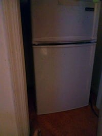 white top-mount refrigerator Springfield, 22153
