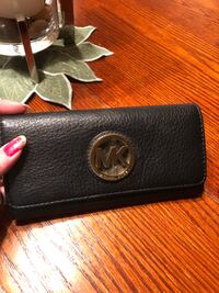 Mk authentic wallet  Mississauga, L5N 2R8
