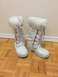 Ladies Size 7 Winter Boots Toronto, M3C 1L3