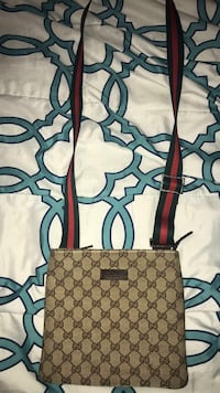 Gucci Bag 563 km