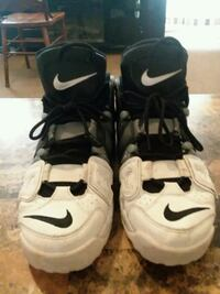 pair of white-and-black Nike basketball shoes Fulton, 13069
