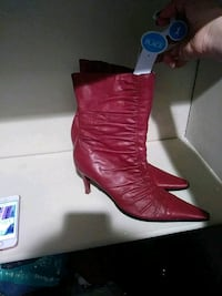 pair of women's red leather heeled pointed-toe boots Nashville, 37013