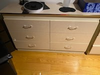 Dressers with two  Nightstand