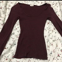 Garage scoop neck burgundy shirt  Ottawa, K2J 2Y9