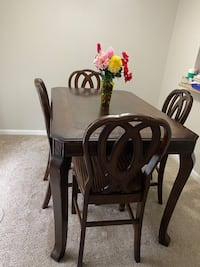 Dinning set with 4 chairs plus microwave