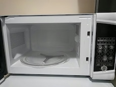 Danby 0.7 cu ft Microwave Oven
