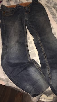 black-washed denim jeans Montréal, H9J 1T6