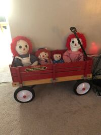 Wagon and dolls