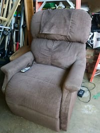 BROWN POWER LIFT CHAIR (ELECTRIC LIFT CHAIR) Forest Hill, 21050