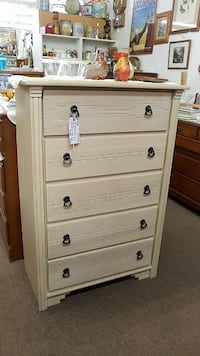 Santa Fe Style 5 Drawer Chest Mesa