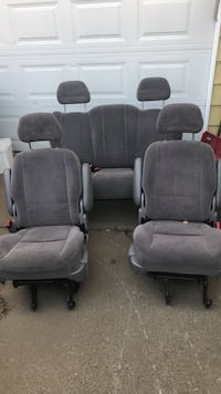 1999 ford winstar seats, 2 mids and 1 bench back NEED GONE ASAP Pitt Meadows, V3Y 1Y7