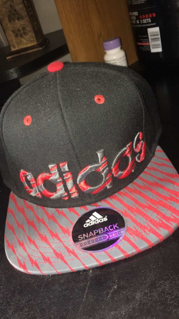 Used black gray and red adidas snapback cap for sale in Tucson - letgo 686807c524f