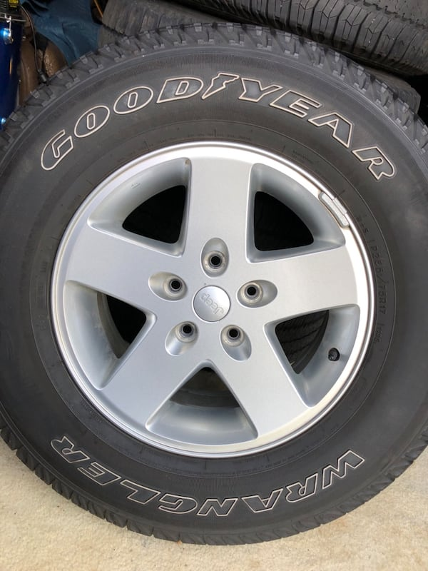 5 jeep wrangler tires 2