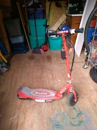 razor electric scooter. needs new motor.w/Charger. Florence, 39073