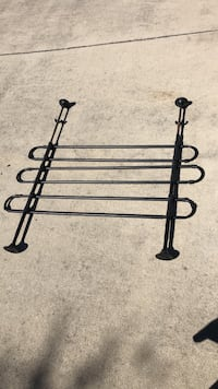 Car/suv adjustible barrier ideal for pets in suv