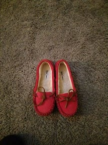 Size 3 pink moccasins Slippers