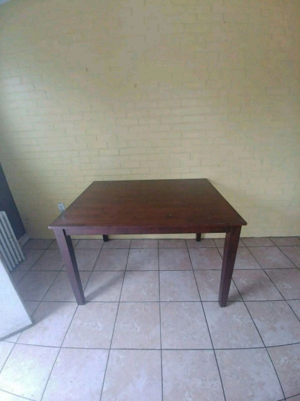 rectangular brown wooden side table 701b2f91-5502-4b12-a520-ead9e51f6ca8