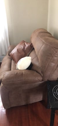 Ashley love seat sofa couch  Norfolk, 23509