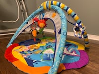 Baby activity gym with mirror
