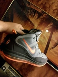 pair of gray-and-white Nike basketball shoes Tallahassee, 32304
