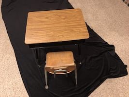 Children's/Toddlers' Desk and Chair