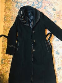 Very beautiful warm coat size 38 Surrey, V3R 7T8