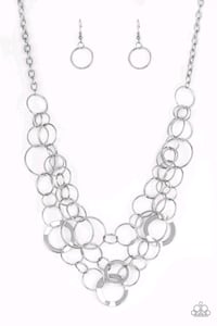 Paparazzi silver tri-layer disc necklace Youngstown, 44505