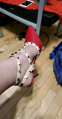 Valentino High Heels Red And Baby Pink Calgary, T3J 4K6