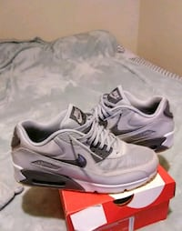 Air max size 8.5 Flint