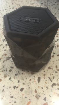 IHome speaker Richmond, V6X