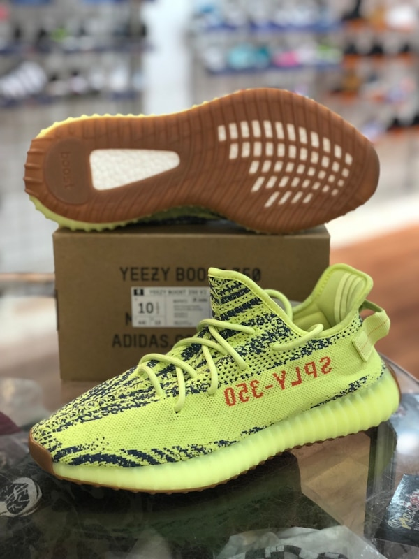 Brand new Semi frozen yellow Yeezy 350 V2s size 10.5