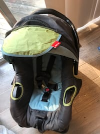 baby's black and green car seat carrier Woodbridge, 22192