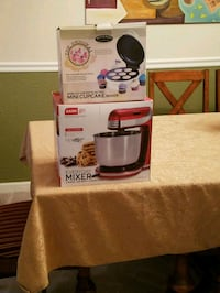 Mixer and cupcake maker Manassas, 20111