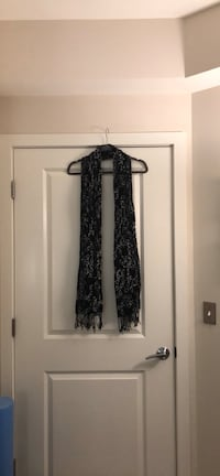 Scarf- Black with white link design