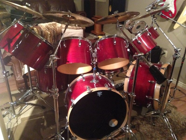 Red and black drum set