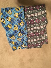 blue pants with Minions print