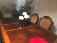 Dining Table/Hutch and Buffet Pickering, L1V