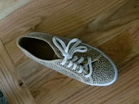 pair of gray-and-white low top sneakers Chestnut Ridge, 10977