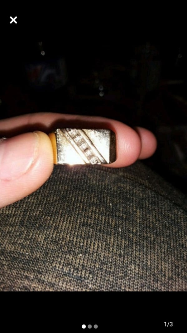 10k gold dynasty ring 4f04adf0-5a10-4d69-9010-4b991ee47aed