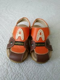 100% leather boys sandals size 10.5 Ajax, L1Z 1J8