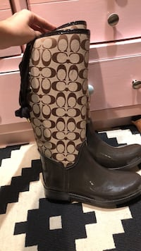 pair of brown leather boots Stockton, 95215