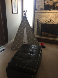 Child's play tent  Guelph, N1L 1A8